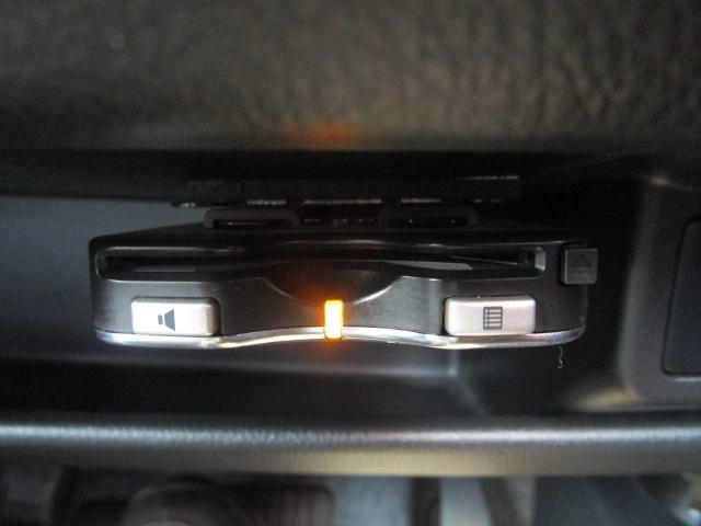 Tセーフティパッケージ SDナビ/フルセグ/アイドリングストップ/衝突軽減ブレーキ/ETC/DVD/CD/スマートキー/アラウンドビューモニター/シートヒーター/ベンチシート/横滑防止装置/エアバック(10枚目)