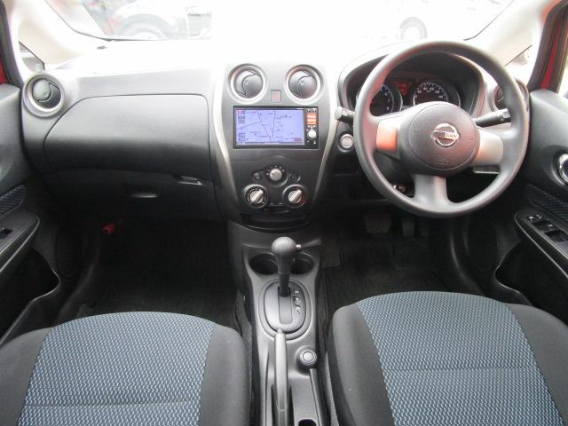 X SDナビ/ワンセグ/Bカメラ/スマートキー/ETC/アイドリングストップ/CD/盗難防止装置/禁煙車/電動式格納ミラー/運転席・助手席エアバック/プライバシーガラス/ABS(6枚目)