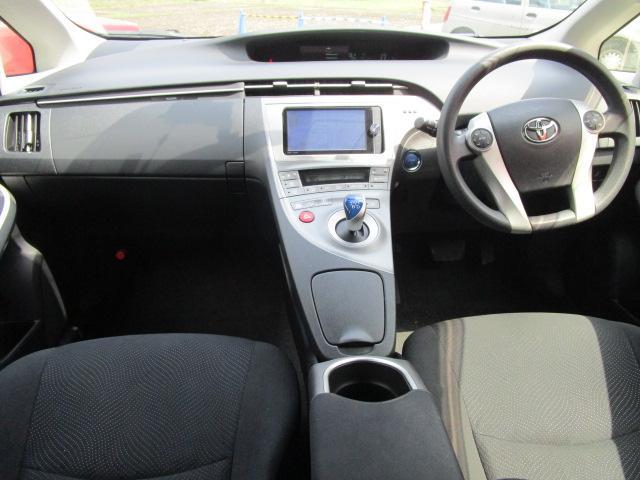 S SDナビ/フルセグ/Bカメラ/スマートキー/ETC/盗難防止装置/HID/DVD/CD/横滑防止装置/オートライト/運転席・助手席エアバック/プライバシーガラス/電動式格納ミラー/ABS(6枚目)