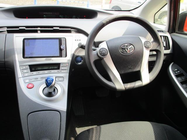 S SDナビ/フルセグ/Bカメラ/スマートキー/ETC/盗難防止装置/HID/DVD/CD/横滑防止装置/オートライト/運転席・助手席エアバック/プライバシーガラス/電動式格納ミラー/ABS(7枚目)
