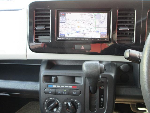 S SDナビ/フルセグ/キーレス/Bluetooth/盗難防止装置/電動式格納ミラー/CD/DVD/プライバシーガラス/運転席・助手席エアバック/エアコン/パワステ/パワーウィンドウ/USB(8枚目)