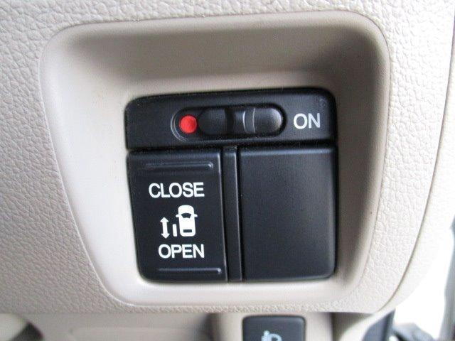 G・Lパッケージ CD/スマートキー/ETC/盗難防止装置/衝突軽減ブレーキ/アルミホイール/両側スライド片側電動ドア/横滑防止装置/運転席・助手席エアバック/ベンチシート/エアバック/エアコン(9枚目)