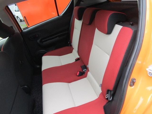 S SDナビ/フルセグ/バックカメラ/衝突軽減ブレーキ/ETC/Bluetooth/DVD/スマートキー/CD/横滑防止装置/アルミホイール/盗難防止装置/オートライト/運転席・助手席エアバック(6枚目)