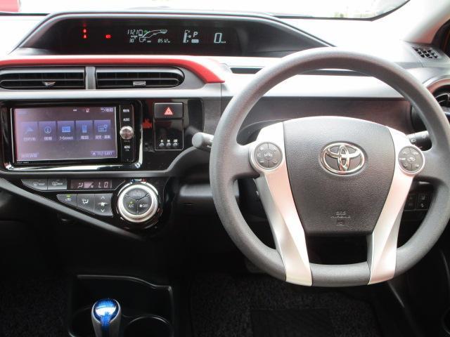 S SDナビ/フルセグ/バックカメラ/衝突軽減ブレーキ/ETC/Bluetooth/DVD/スマートキー/CD/横滑防止装置/アルミホイール/盗難防止装置/オートライト/運転席・助手席エアバック(8枚目)