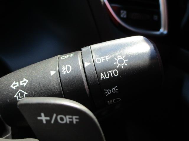XD サンルーフ付き/マツダコネクト/フルセグTV/バックカメラ/衝突軽減ブレーキ/Bluetoothオーディオ/アイドリングストップ/CD・DVD再生/パワーシート/シートヒーター/クルーズコントロール(14枚目)
