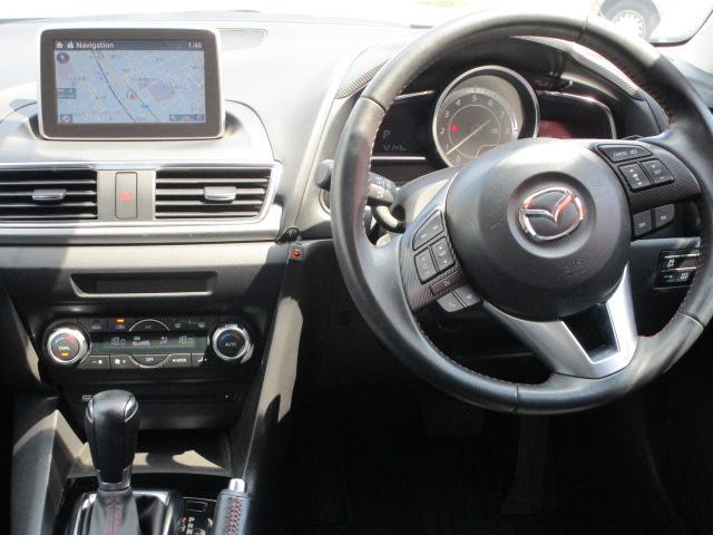 20Sツーリング SDナビ/フルセグ/バックカメラ/スマートキー/ETC/衝突軽減ブレーキ/DVD/CD/Bluetooth/アイドリングストップ/横滑防止装置/盗難防止装置/禁煙車/運転席・助手席エアバック(7枚目)