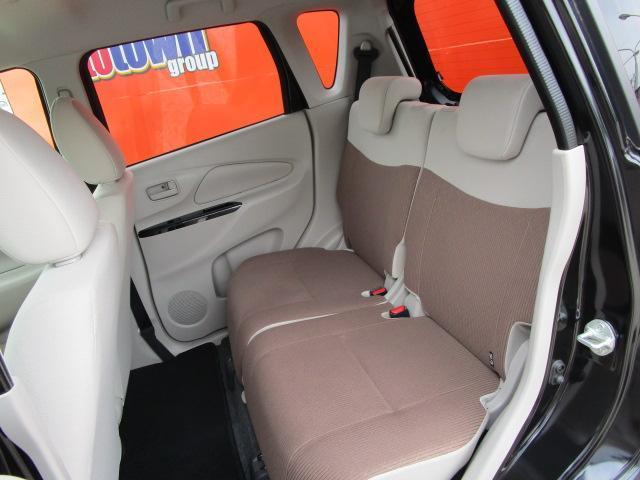 E CD/キーレス/電動式格納ミラー/シートヒーター/横滑防止装置/エアコン/プライバシーガラス/運転席・助手席エアバック/ベンチシート/パワーウィンドウ/パワステ(5枚目)
