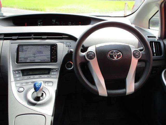 S ディーラーオプションHDDナビ/ワンセグTV/CD・DVD再生/Bluetoothオーディオ/バックカメラ/ETC車載器/スマートキー/プッシュスタート/オートライト/アルミホイール/電動式格納ミラー(7枚目)