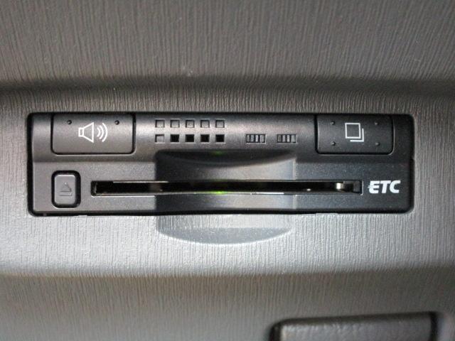 S ディーラーオプションHDDナビ/ワンセグTV/CD・DVD再生/Bluetoothオーディオ/バックカメラ/ETC車載器/スマートキー/プッシュスタート/オートライト/アルミホイール/電動式格納ミラー(10枚目)
