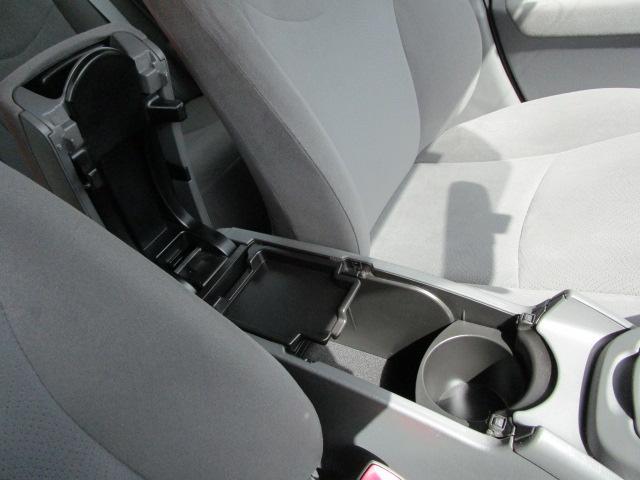 S ディーラーオプションHDDナビ/ワンセグTV/CD・DVD再生/Bluetoothオーディオ/バックカメラ/ETC車載器/スマートキー/プッシュスタート/オートライト/アルミホイール/電動式格納ミラー(13枚目)