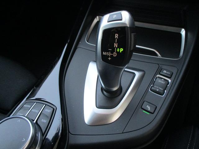 118d スポーツACCパーキングサポートデモカー認定中古車(11枚目)