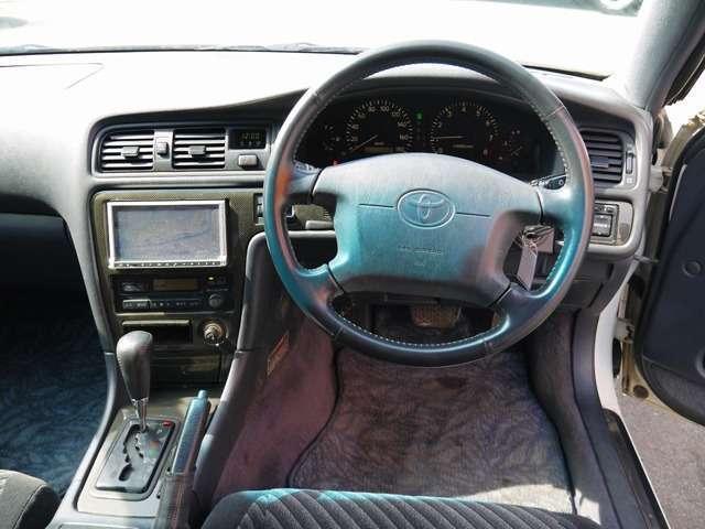 トヨタ マークII ツアラーV 18インチAW 社外マフラー AT車両
