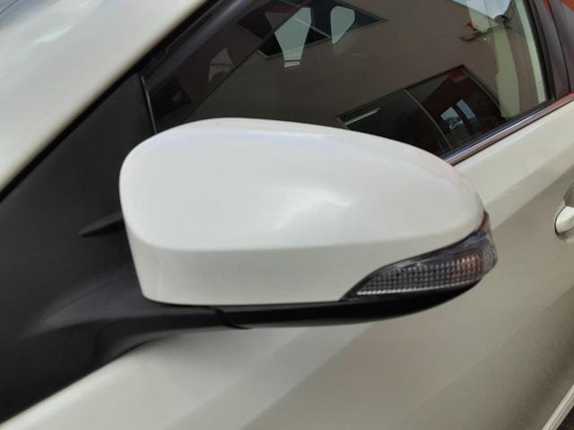 ハイブリッド 1年保証付 SDナビ フルセグ ビルトインETC 衝突軽減ブレーキ レーンキープ Bluetooth ハーフレザーシート LEDヘッドライト フォグ モデリスタフルエアロ 純正AW プッシュスタート(17枚目)
