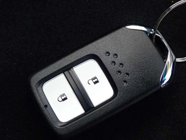 ホンダ フィットハイブリッド L ホンダセンシング 3年保証 Bluetooth対応ナビ