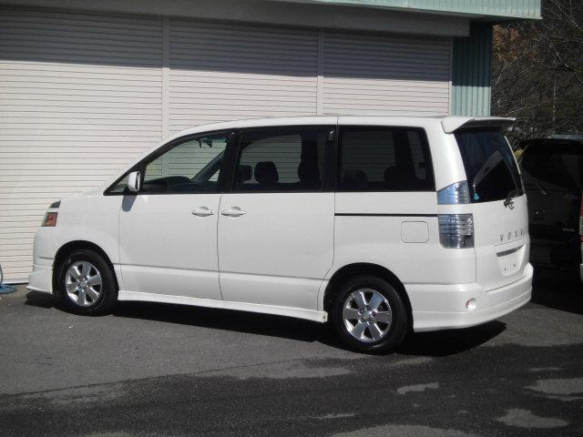トヨタ ヴォクシー X Vエディション 禁煙車