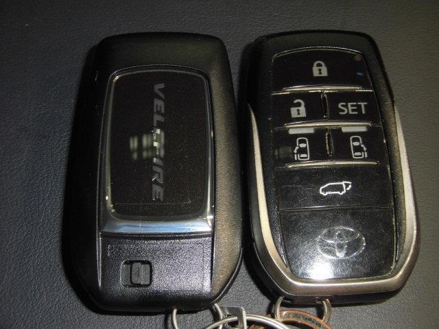 2.5Z Gエディション サンルーフ フルセグ メモリーナビ DVD再生 ミュージックプレイヤー接続可 後席モニター バックカメラ 衝突被害軽減システム ETC 両側電動スライド LEDヘッドランプ 乗車定員7人 3列シート(19枚目)