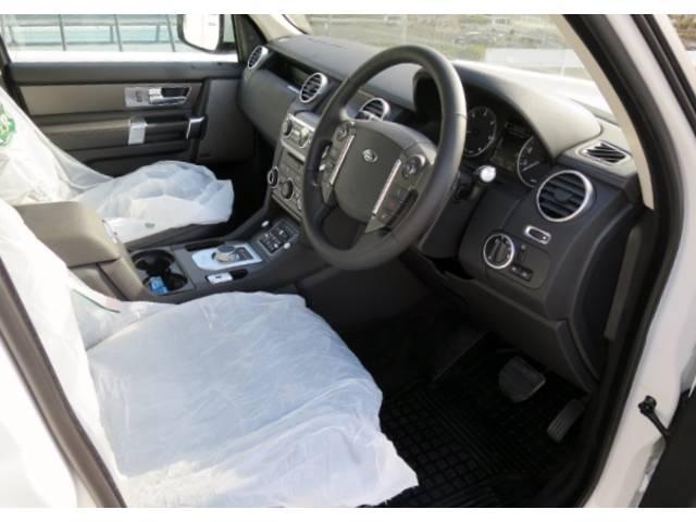ランドローバー ランドローバー ディスカバリー4 グラファイトエディション限定車 SDV6 最終モデル新車