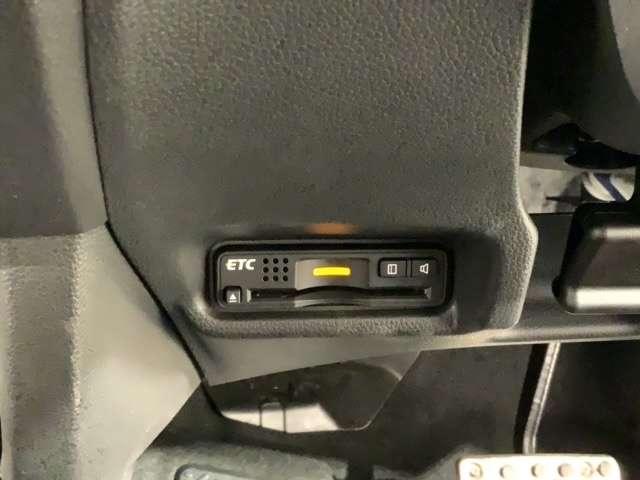 RS 禁煙 1オ-ナ- ナビRカメラ 衝突軽減 ETC 横滑り防止 ナビTV シティブレーキアクティブ CD LEDヘッドランプ 地デジ DVD再生 禁煙 アルミホイール キーレス ETC ワンオーナー(16枚目)