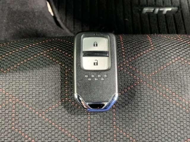 RS 禁煙 1オ-ナ- ナビRカメラ 衝突軽減 ETC 横滑り防止 ナビTV シティブレーキアクティブ CD LEDヘッドランプ 地デジ DVD再生 禁煙 アルミホイール キーレス ETC ワンオーナー(19枚目)