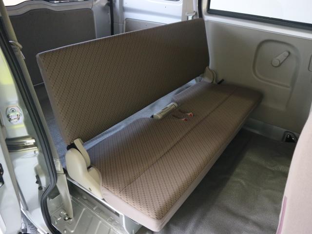 広々とした座面で、とてもシンプルな作りです♪