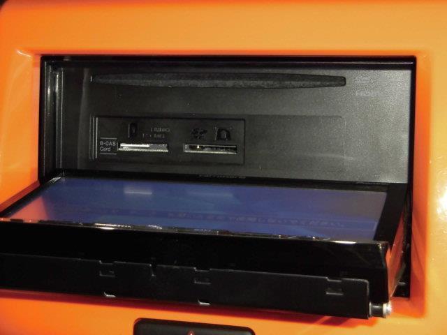 X 地デジSDナビ DVD再生 ミュージックプレイヤー接続可 衝突被害軽減システム HIDヘッドライト アイドリングストップ 運転席シートヒーター スマートキー(6枚目)