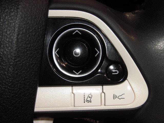 S フルセグ メモリーナビ DVD再生 ミュージックプレイヤー接続可 バックカメラ 衝突被害軽減システム ETC LEDヘッドランプ フルエアロ アイドリングストップ(15枚目)