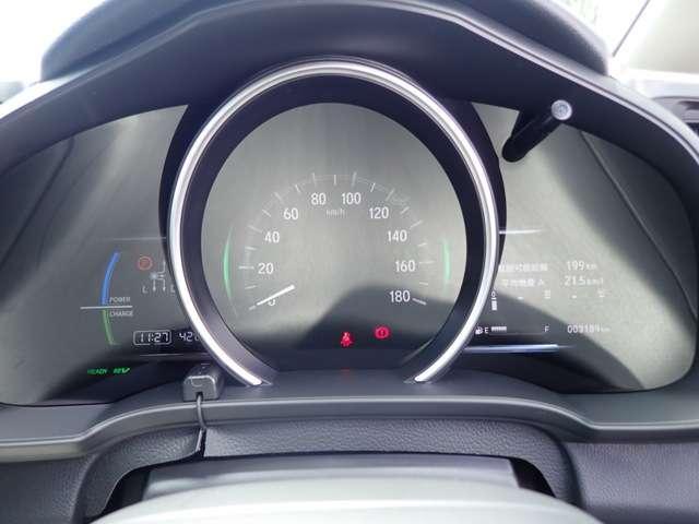 ホンダ フィットハイブリッド F ホンダセンシング 3年保証付 当社試乗車