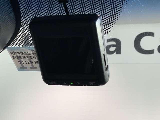 ハイブリッドZ・ホンダセンシング 2年保証 禁煙車 1オーナー ホンダセンシング 純正ナビフルセグ Bluetooth DVD再生 Rカメラ ETC シートヒーター サイドエアバック 純正AW スマートキー(18枚目)