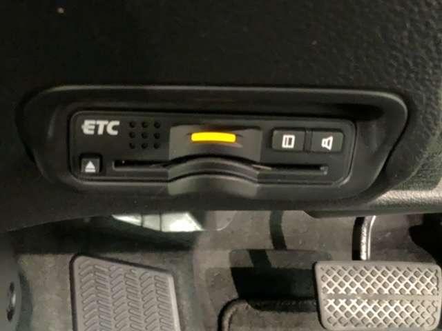 ハイブリッドZ・ホンダセンシング 2年保証 禁煙車 1オーナー ホンダセンシング 純正ナビフルセグ Bluetooth DVD再生 Rカメラ ETC シートヒーター サイドエアバック 純正AW スマートキー(19枚目)