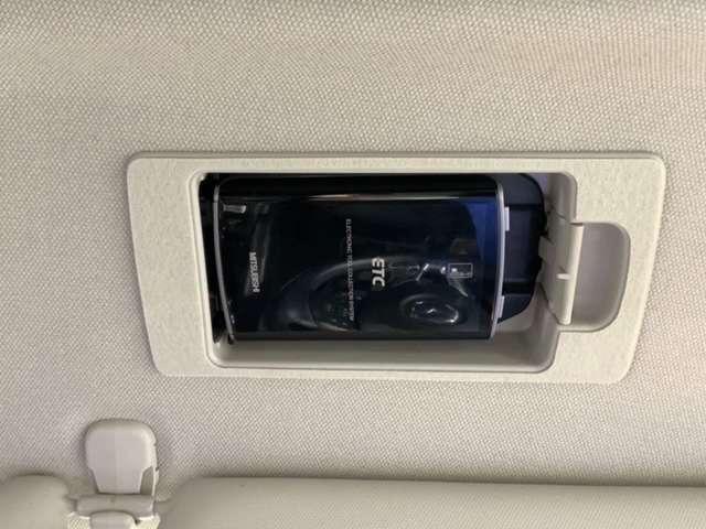 20S プロアクティブ 1年保証 禁煙車 純正ナビ フルセグ Bluetooth DVD再生 Rカメラ ETC LEDヘッド 純正AW クルーズC スマートキー(17枚目)