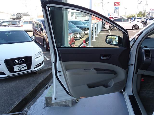 「トヨタ」「プリウス」「セダン」「愛知県」の中古車52