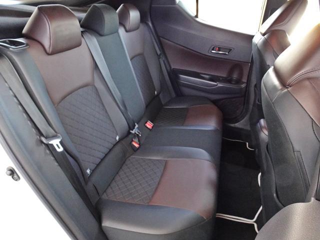 「トヨタ」「C-HR」「SUV・クロカン」「愛知県」の中古車33