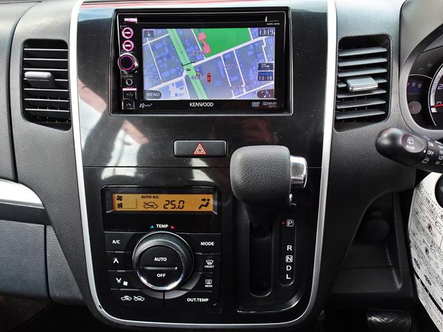 使いやすいレイアウトそして操作性の良い空調スイッチ類です。スイッチも大きく、気温に合わせて直観的に操作できそうですね♪操作もしやすく車内をいつでも快適に保てます^^