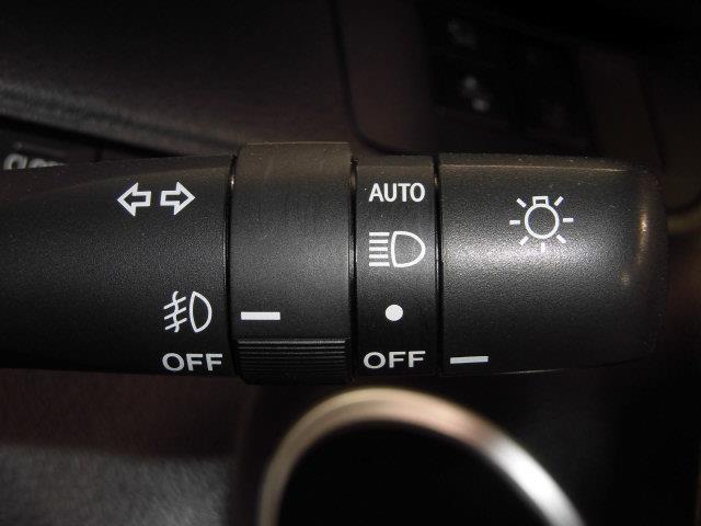 G フルセグ メモリーナビ DVD再生 ミュージックプレイヤー接続可 バックカメラ 衝突被害軽減システム ETC ドラレコ 両側電動スライド LEDヘッドランプ 乗車定員7人 3列シート 記録簿(18枚目)