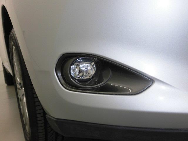 プレミアム 4WD フルセグ メモリーナビ DVD再生 ミュージックプレイヤー接続可 バックカメラ ETC LEDヘッドランプ アイドリングストップ(7枚目)