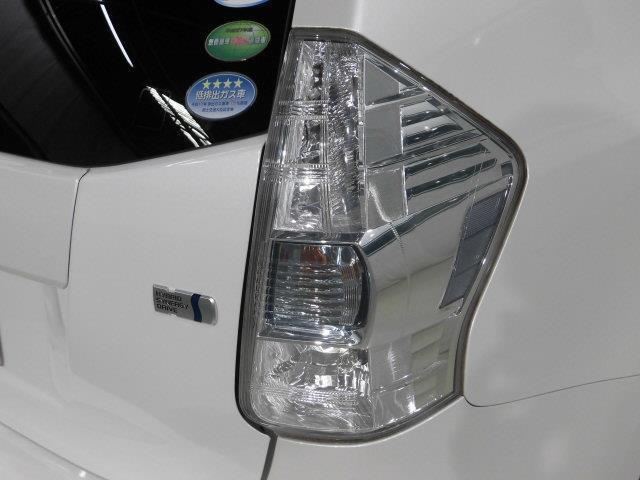 S チューン ブラック フルセグ メモリーナビ DVD再生 バックカメラ ETC LEDヘッドランプ 乗車定員7人 3列シート アイドリングストップ(7枚目)