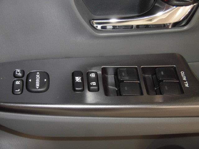 S チューン ブラック フルセグ メモリーナビ DVD再生 バックカメラ ETC LEDヘッドランプ 乗車定員7人 3列シート アイドリングストップ(19枚目)