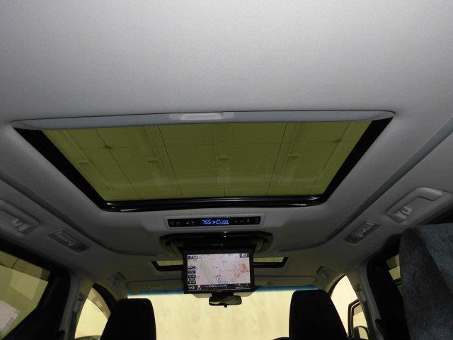 2.5Z サンルーフ フルセグ メモリーナビ DVD再生 ミュージックプレイヤー接続可 後席モニター バックカメラ 衝突被害軽減システム ETC 両側電動スライド LEDヘッドランプ 乗車定員7人 3列シート(30枚目)