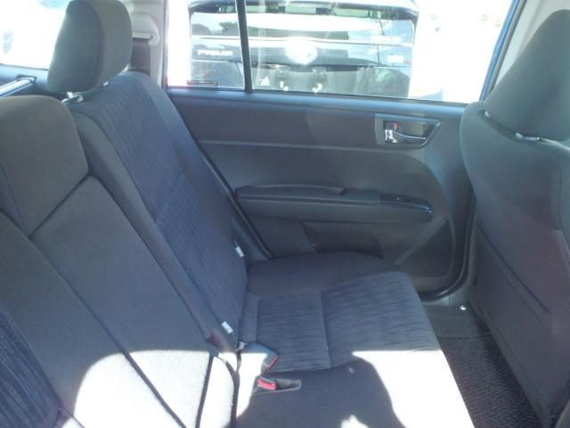 後部座席も綺麗に仕上げております。内装の綺麗なお車は気持ちが良いです、コンディションのいい車です。