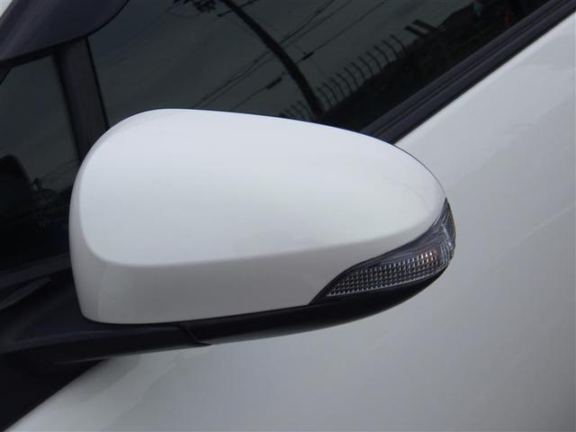 ターンランプドアミラー。ターンランプ付きサイドミラーです。対向車からの視認性アップで安全性も高まります。