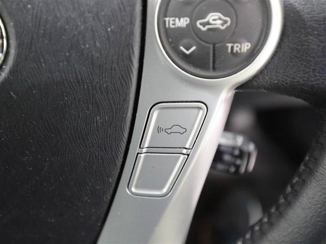 ハンドルから手を放すことなく操作可能で安全運転!