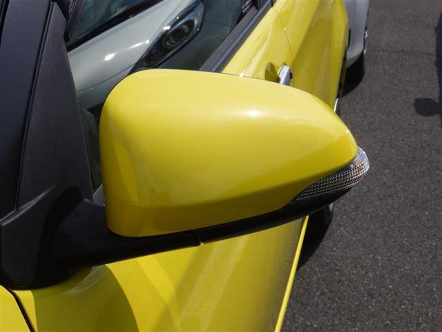 ターンランプ付きサイドミラーです。対向車からの視認性アップで安全性も高まります。