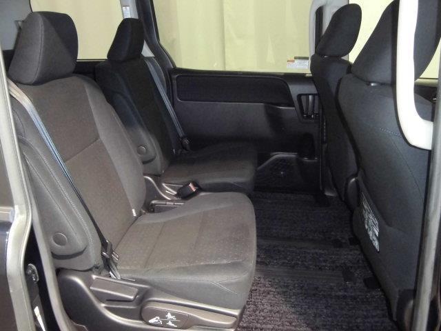 リヤシートのコンディションをご確認ください。