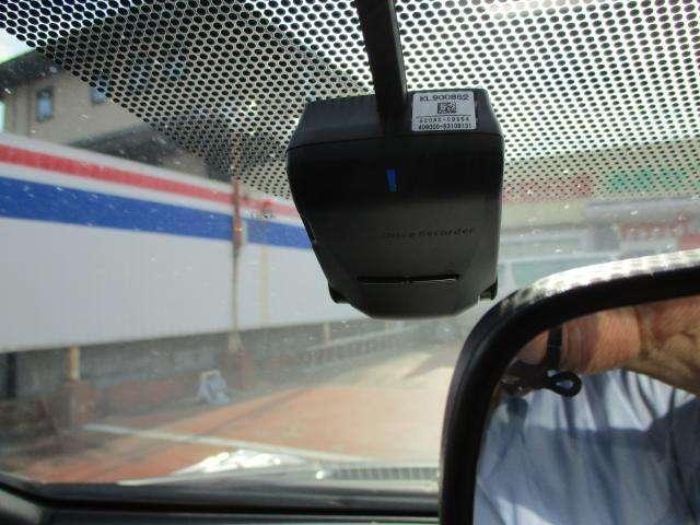 もしもの時に動画を録画してくれる、ドライブレコーダー付で安心です!!