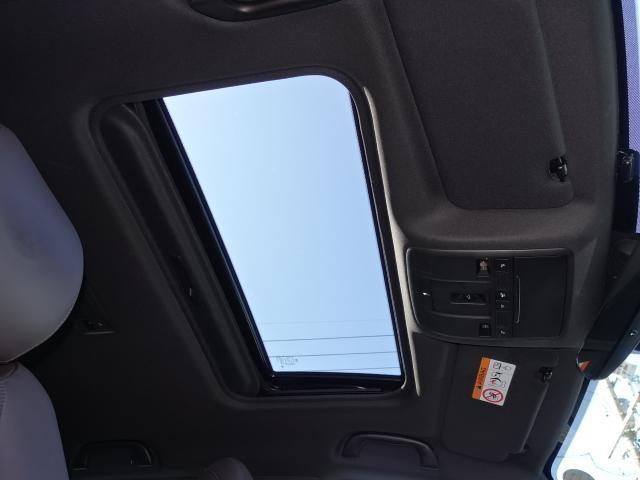 XD Lパッケージ 衝突被害軽減システム アダプティブクルーズコントロール 全周囲カメラ オートマチックハイビーム サンルーフ 3列シート 革シート 電動シート シートヒーター バックカメラ オートライト 電動リアゲート(14枚目)