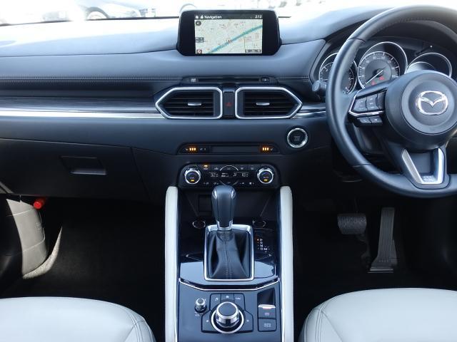 XD Lパッケージ 衝突被害軽減システム アダプティブクルーズコントロール オートマチックハイビーム 革シート 電動シート シートヒーター バックカメラ オートライト LEDヘッドランプ ETC Bluetooth(6枚目)