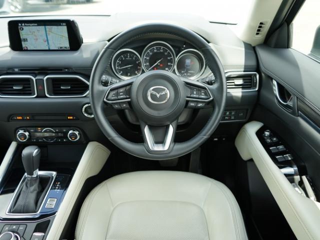 25S Lパッケージ 衝突被害軽減システム アダプティブクルーズコントロール オートマチックハイビーム 革シート 電動シート シートヒーター バックカメラ オートライト LEDヘッドランプ ETC Bluetooth(4枚目)