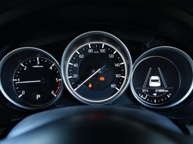 XD Lパッケージ 衝突被害軽減システム アダプティブクルーズコントロール オートマチックハイビーム 4WD 3列シート 革シート 電動シート シートヒーター バックカメラ オートライト LEDヘッドランプ(5枚目)