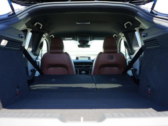 ベースグレード 衝突被害軽減システム アダプティブクルーズコントロール 全周囲カメラ オートマチックハイビーム 電動シート シートヒーター バックカメラ オートライト LEDヘッドランプ Bluetooth(17枚目)