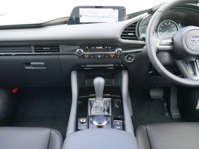 XD Lパッケージ 衝突被害軽減システム アダプティブクルーズコントロール 全周囲カメラ オートマチックハイビーム 革シート 電動シート シートヒーター バックカメラ オートライト LEDヘッドランプ Bluetooth(6枚目)